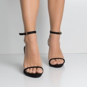 SIMPLE ANKLE STRAP HEELED SANDAL